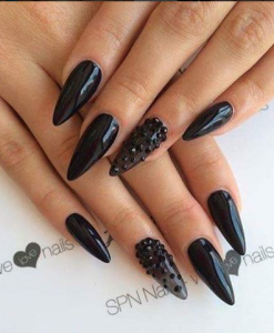 unghii cu gel negre