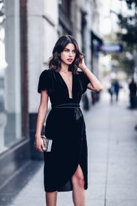 rochie catifea neagra