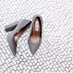 pantofi cu tocuri patrare