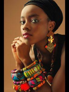 cercei tribali femeie