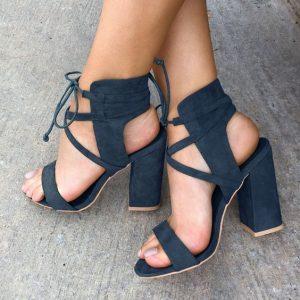pantofi cu tocuri patrate