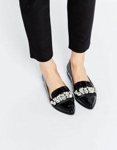 pantofi negrii cu alb
