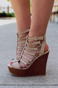 sandale crem impletitura