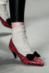 pantofi cu fundita