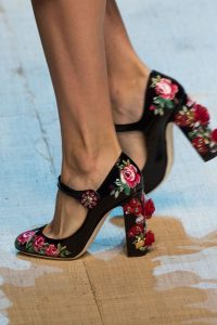 pantofi cu model floral