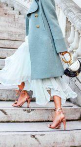 cum asortezi pantofii cu bretele