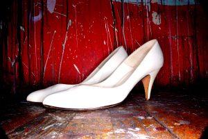 pantof albi cu toc