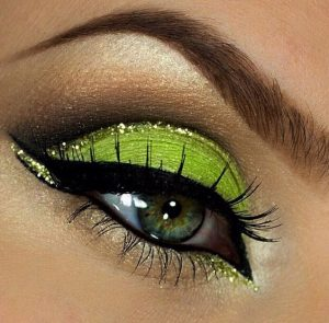 fard verde ochi verzi