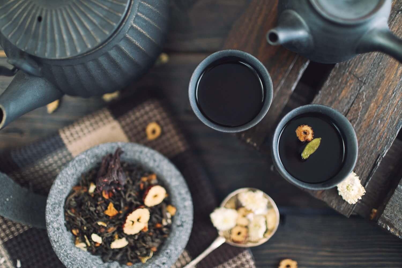ceainic si ceai