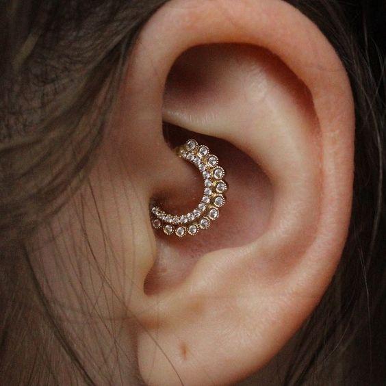 piercing pentru urechi pentru pierderea în greutate lângă mine)